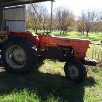 Fiat 480 2wd 5932 hrs, 3 new tyres